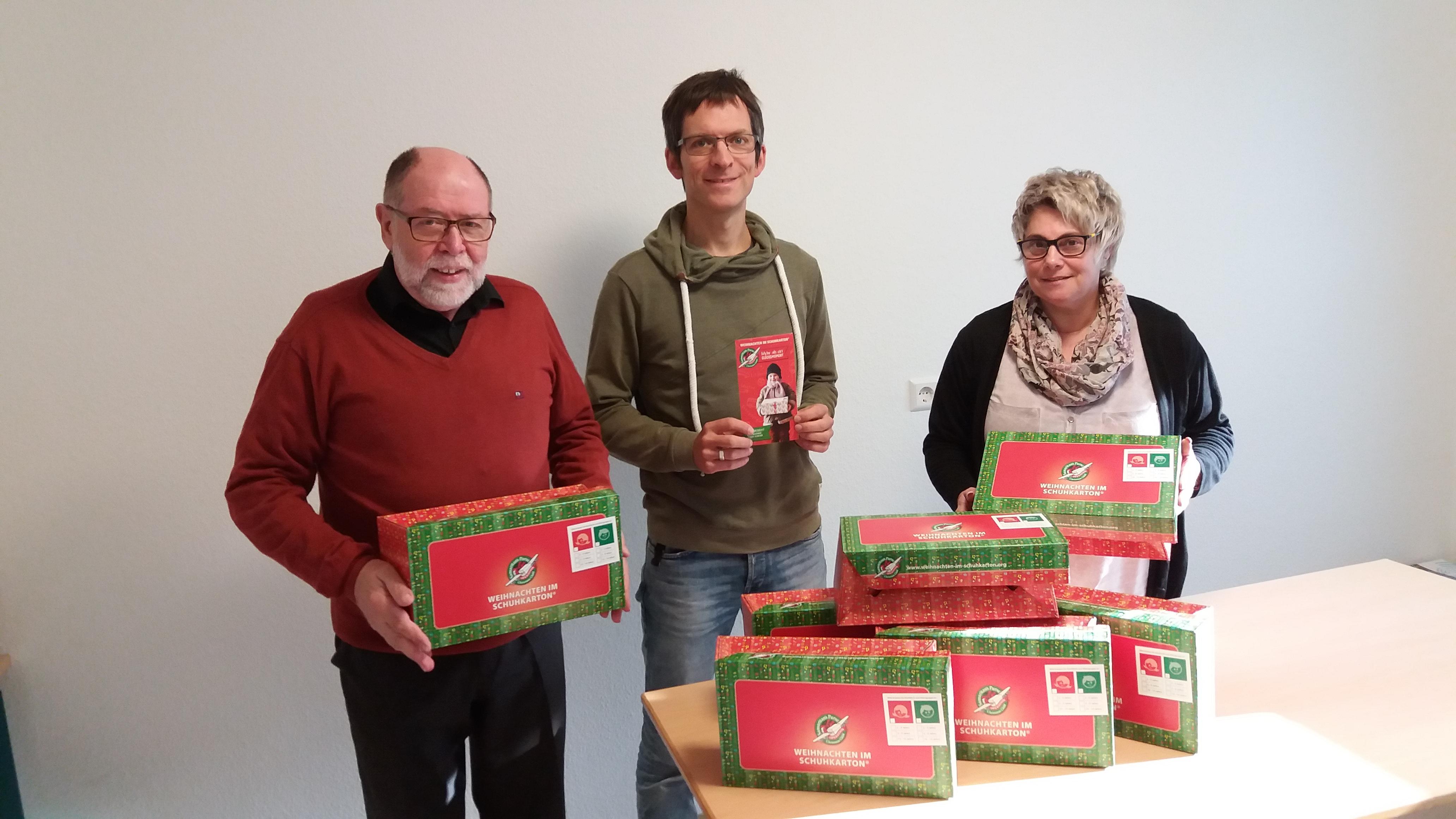 Weihnachten Im Schuhkarton Org.Weihnachten Im Schuhkarton Von Schwäbisch Gmünd In Die Ukraine